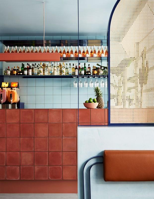 Azujelo marroquino Zellige é tendência de decoração! (Foto: reprodução)