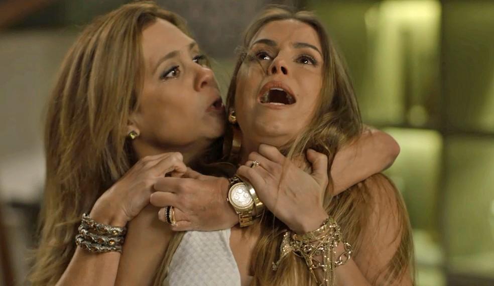 Laureta e Karola brigam feio após trocas de ofensas — Foto: TV Globo