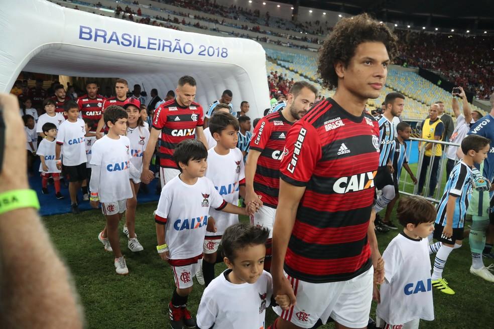Willian Arão contra o Grêmio pelo Brasileirão — Foto: Gilvan de Souza/DVG/Flamengo