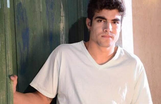 Caio Castro foi José Antenor, estudante de medicina que tem vergonha da origem humilde de sua família (Foto: TV Globo)