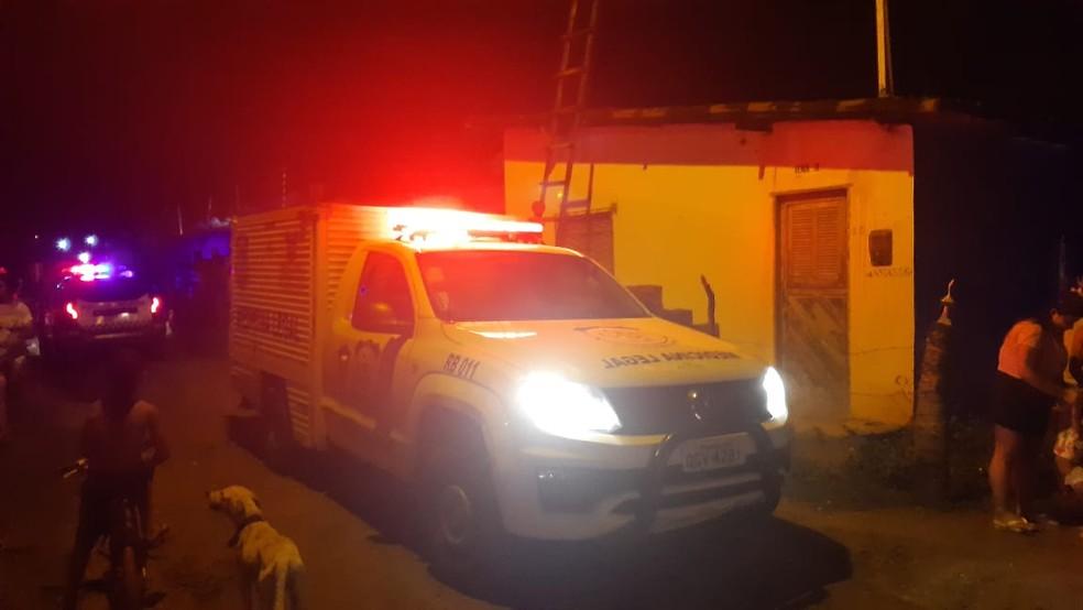 Homem matou a companheira e cometeu suicídio em seguida dentro da casa em que os dois moravam em Natal — Foto: Sérgio Henrique Santos/Inter TV Cabugi