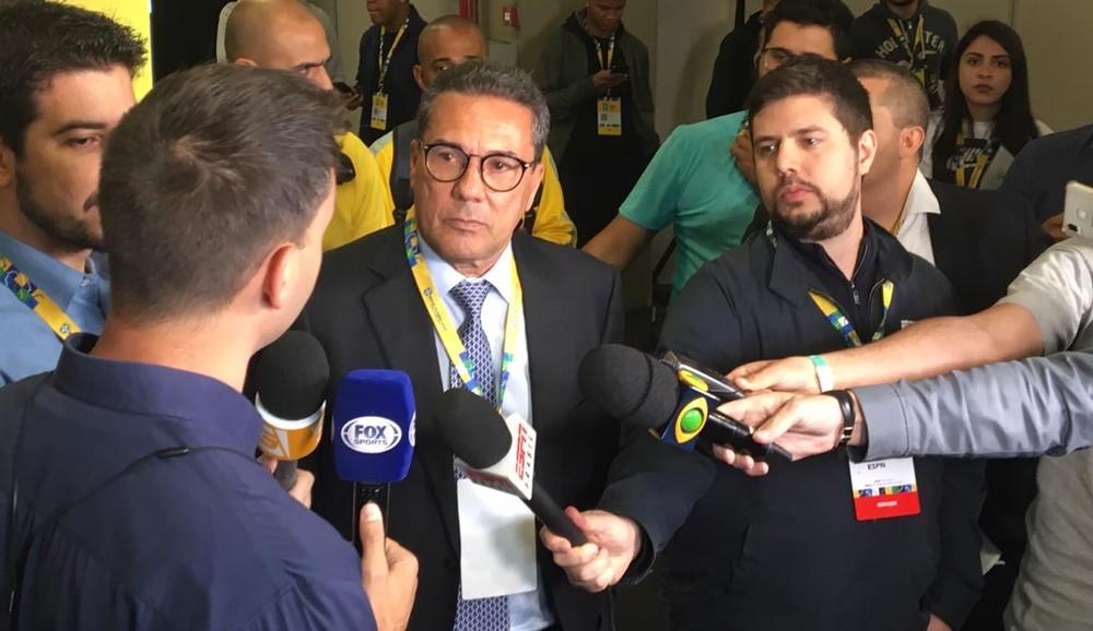 Luxemburgo dá dica para Mano Menezes sobressair rejeição de parte da torcida; confira
