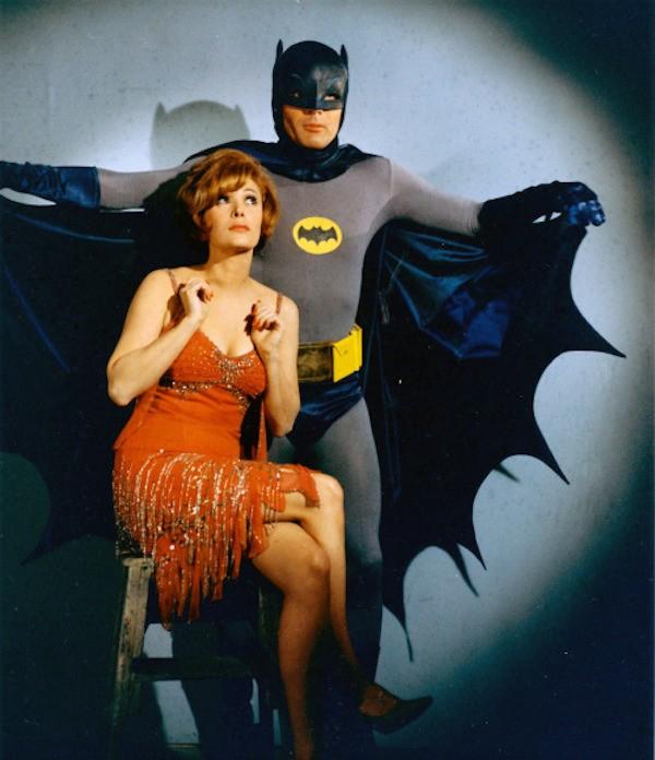 O ator Adam West como o herói Batman (Foto: Reprodução)