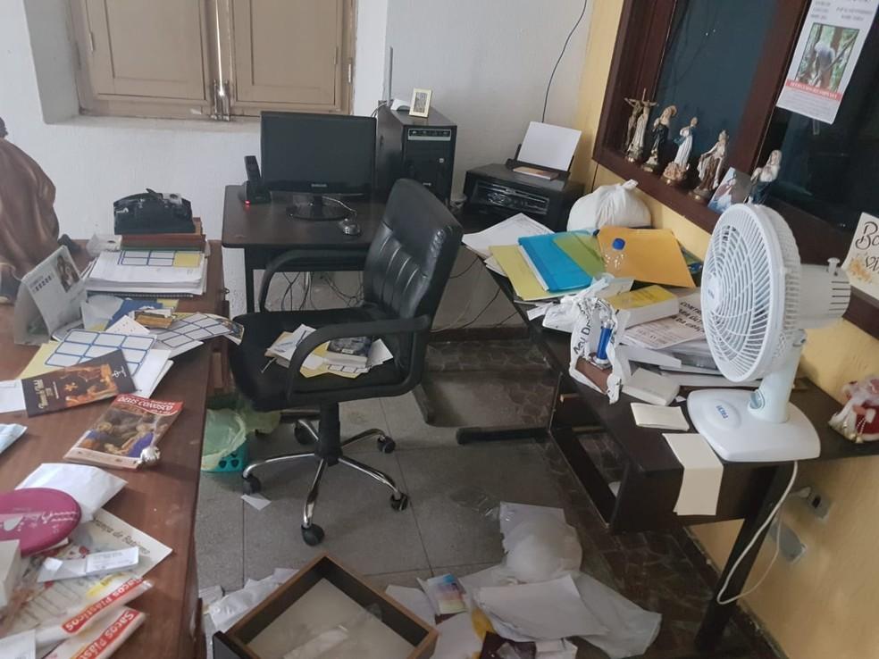 Paróquia foi arrombada na Zona Norte do Recife — Foto: Reprodução/WhatsApp