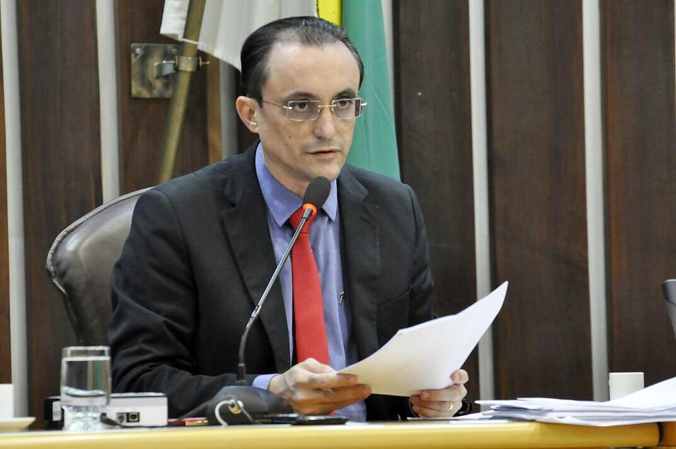 Deputado Souza Neto em sessão na Assembleia Legislativa do Rio Grande do Norte (Foto: Eduardo Maia/Assessoria AL)