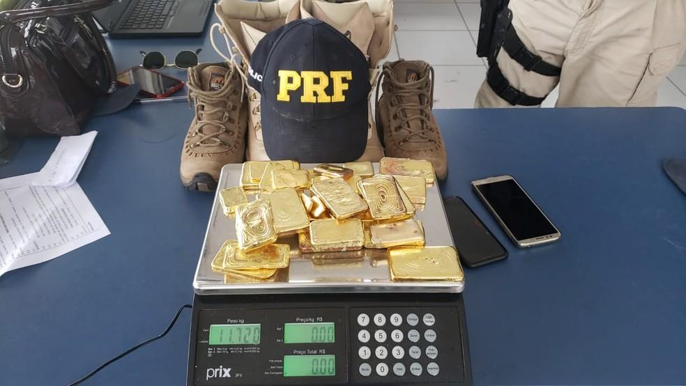 Motorista esconde quase 12 kg de ouro maciço nas botas e é flagrado pela PRF no Pará
