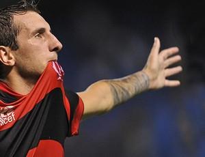 Dario Bottinelli acerta com o Coritiba e assina contrato de dois anos