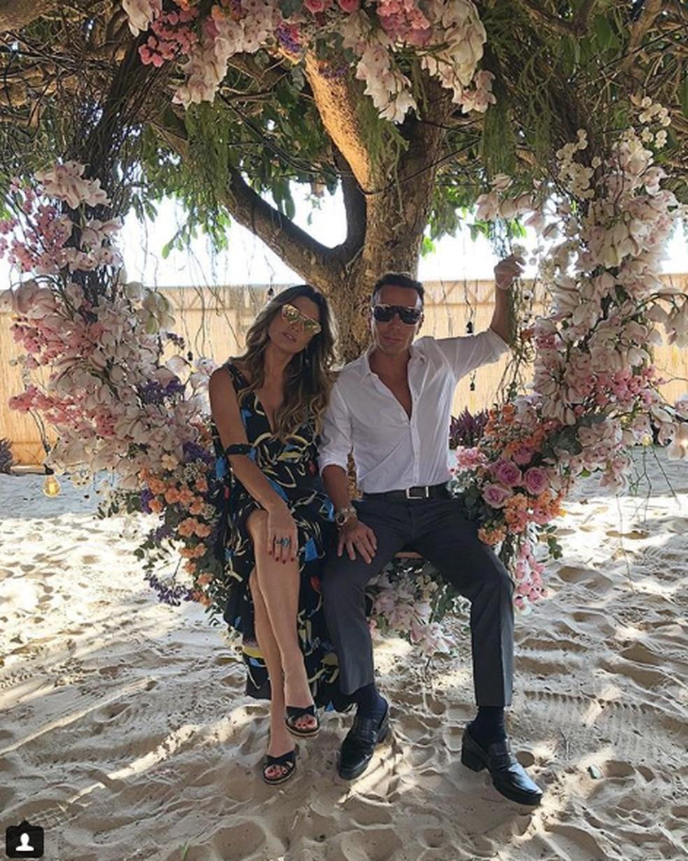 Flávia Alessandra e Matheus Mazzafera, no casamento. (Foto: Reprodução / Instagram)