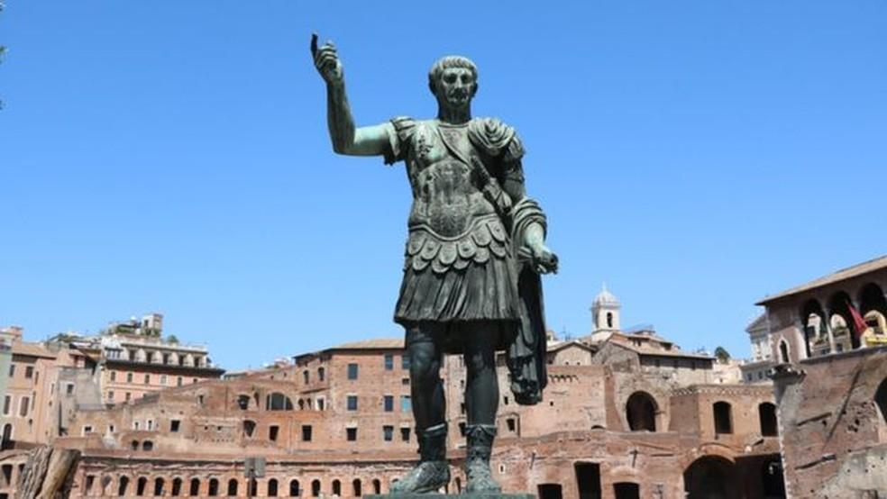 Os anos bissextos são uma ideia de Júlio César, mas o calendário dele não é o que usamos atualmente — Foto: Getty Images/BBC