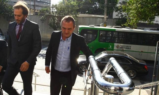 Joesley Batista chega à sede da Policia Federal, de São Paulo - Aloisio Mauricio/Fotoarena (Foto: Aloisio Mauricio / Fotoarena)