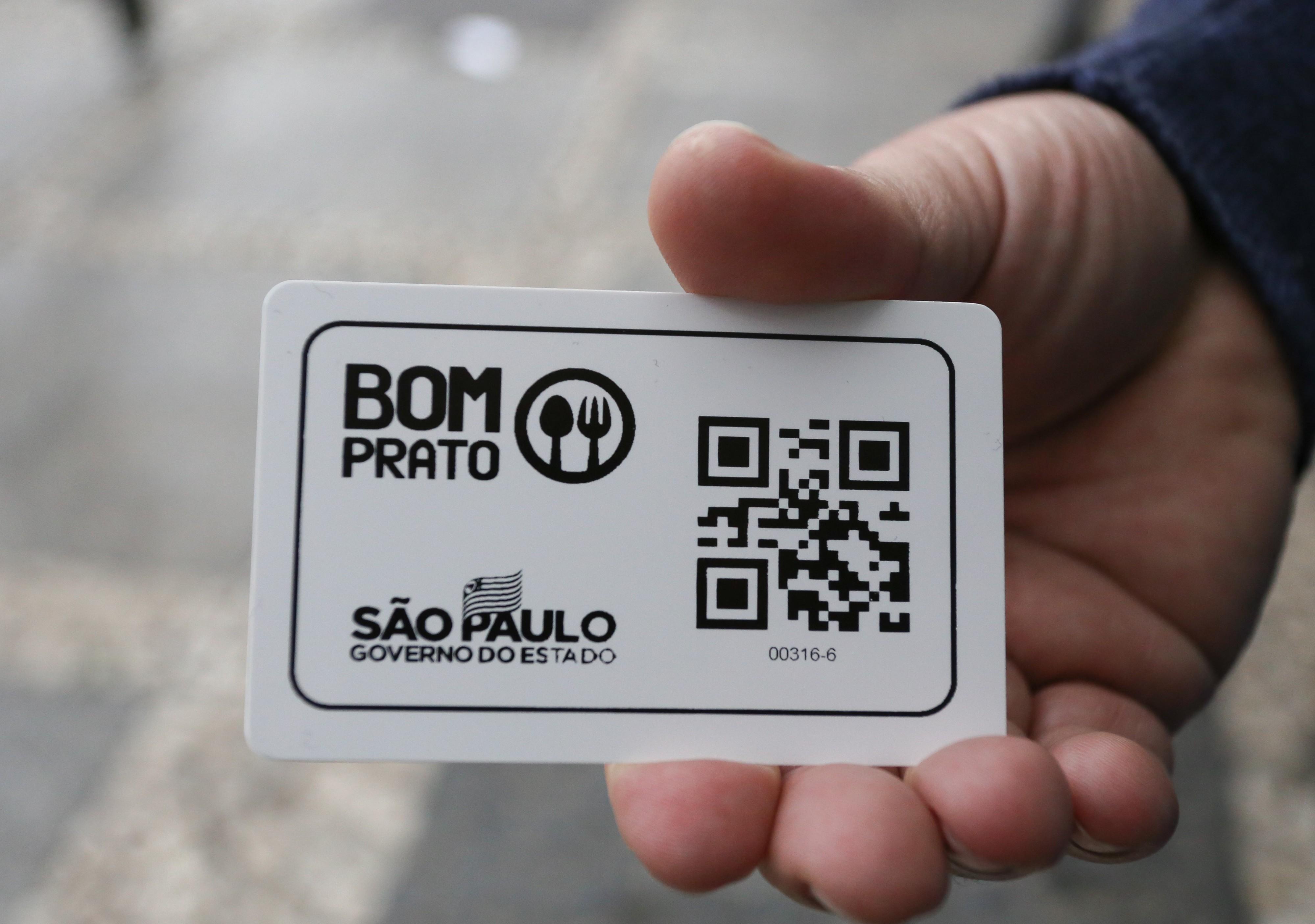 MP e Defensoria vão à Justiça para que Prefeitura e governo de SP redistribuam 10 mil cartões do Bom Prato à população de rua