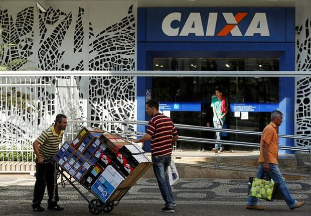 Agência da Caixa Econômica Federal (Foto: Pilar Olivares/Reuters)