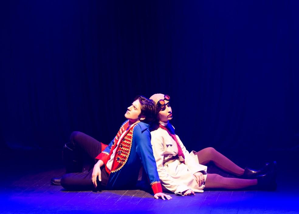 """A peça traz uma releitura de um dos maiores clássicos da literatura universal, """"O Pequeno Príncipe"""" de Antoine de Saint-Exupéry, adaptado à atualidade e à valorização do feminino. — Foto: Odair Rodrigues."""