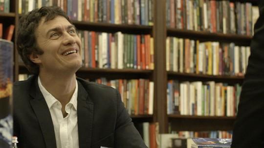 Último capítulo: Luís Fernando vira escritor de sucesso