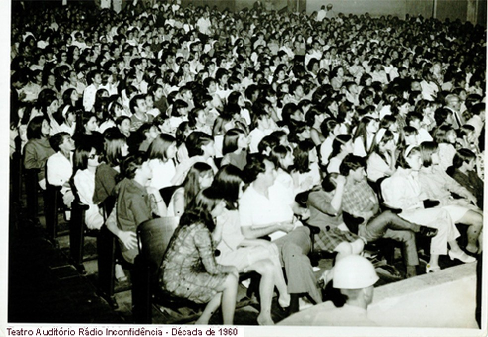 Auditório da Rádio Inconfidência na década de 60. — Foto: Rádio Inconfidência/Acervo