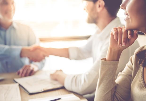 confiança - mulheres - reunião - equipe - ambiente - trabalho - grupo  (Foto: Thinkstock)