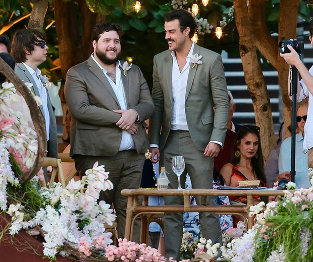 Casamento Camila Queiroz e Klebber Toledo (Foto: Manuela Scarpa e Iwi Onodera/Brazil News)