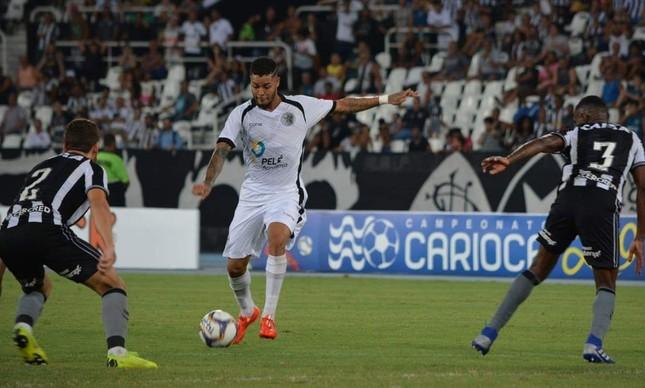 Maxwell: o artilheiro do Resende no Campeonato Carioca
