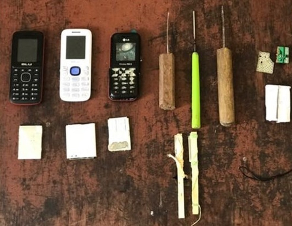 Material foi encontrado dentro da cadeia de Taquaritinga do Norte (Foto: Polícia Militar/Divulgação)