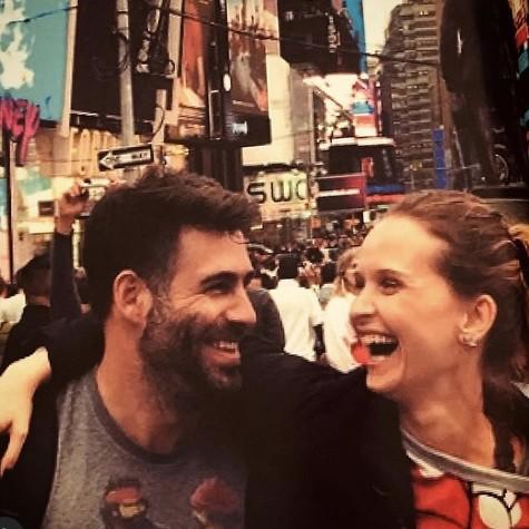 Fernanda Rodrigues com o marido, Raoni Carneiro (Foto: Reprodução)