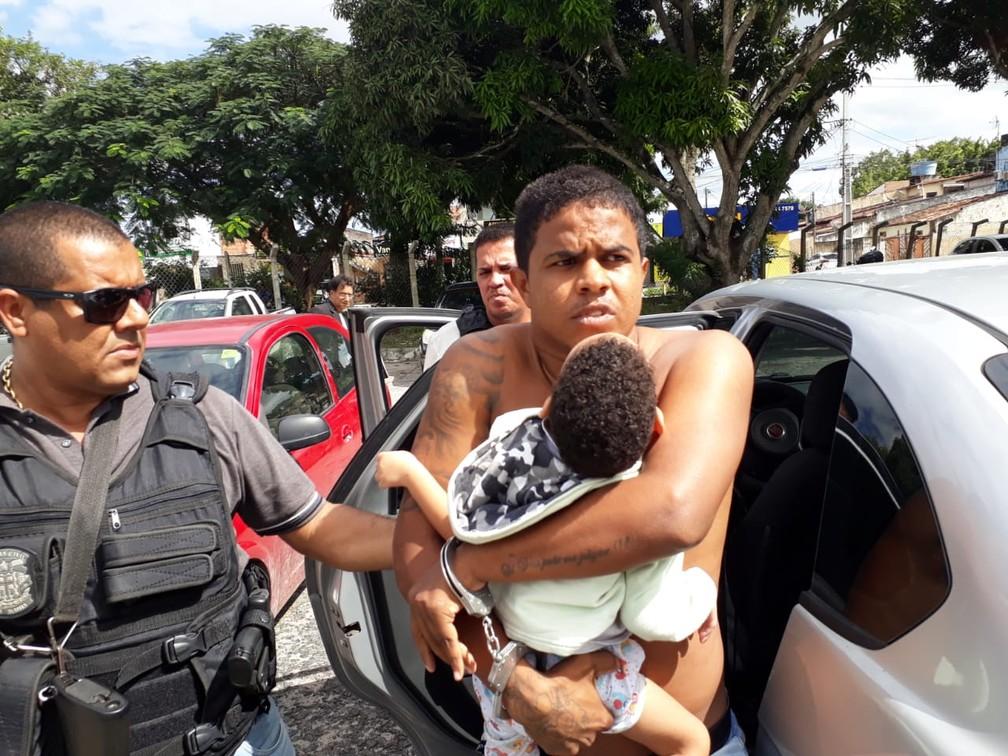 Suspeito tinha mandado de prisão em aberto — Foto: Aldo Matos/Acorda Cidade