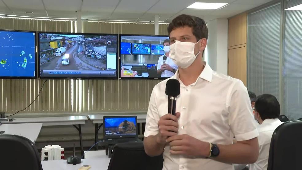 João Campos (PSB) afirmou que chuvas do fim de semana foram 'fenômeno anormal' — Foto: Reprodução/TV Globo