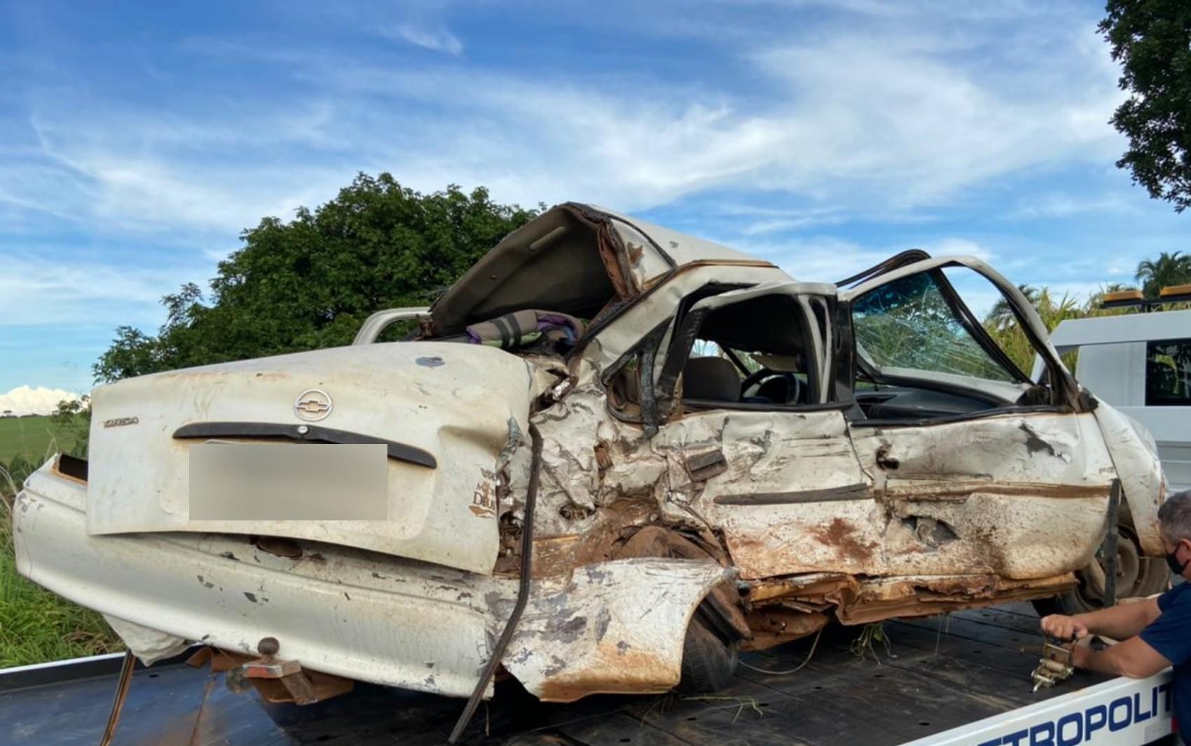 Quatro pessoas da mesma família morrem em acidente na GO-020, em Bela Vista de Goiás