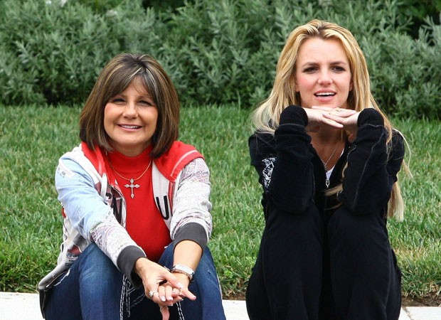 Lynne Spears e Britney Spears (Foto: Backgrid)