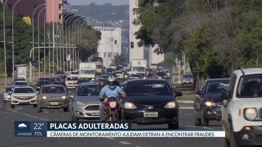 Golpistas adulteram placas de carros e motos