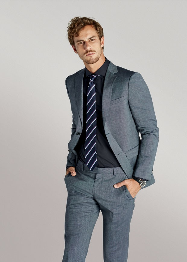Costume Z Zegna  R$ 5.495 | Camisa Hugo Boss R$ 650 | Gravata Tommy Hilfiger R$ 319 | Relógio Jaeger-LeCoultre Master Control Date  R$ 28.300 (Foto: Yuri Sardenberg)