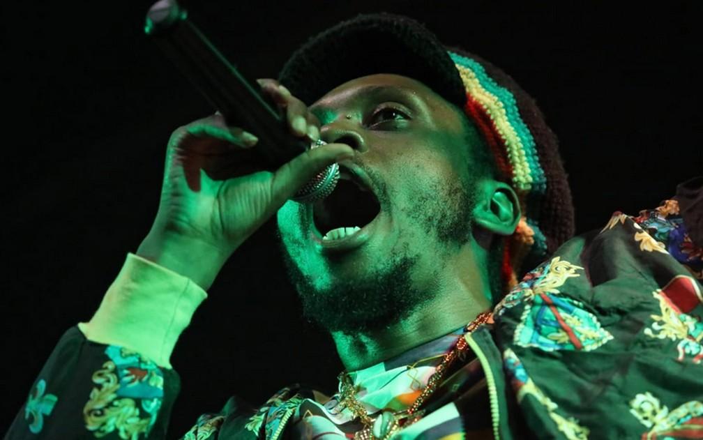 Rincon Sapiência canta em palco da Virada Cultural — Foto: Fábio Tito/G1