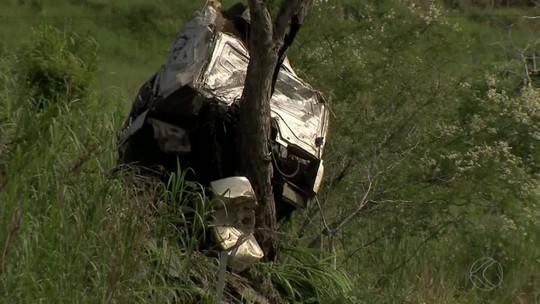 Condutor de carreta morre em acidente na BR-267 entre Bicas e Juiz de Fora