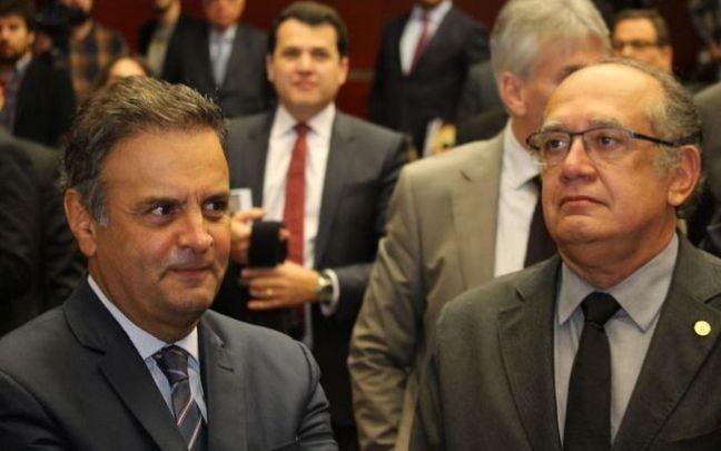 Senador Aécio Neves e Ministro Gilmar Mendes (Foto: Senado)