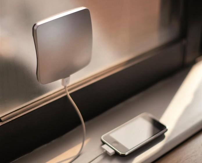 XD Design Solar Window Charger pode ser utilizado no carro para dispositvos USB (Foto: Divulgação/XD Design)