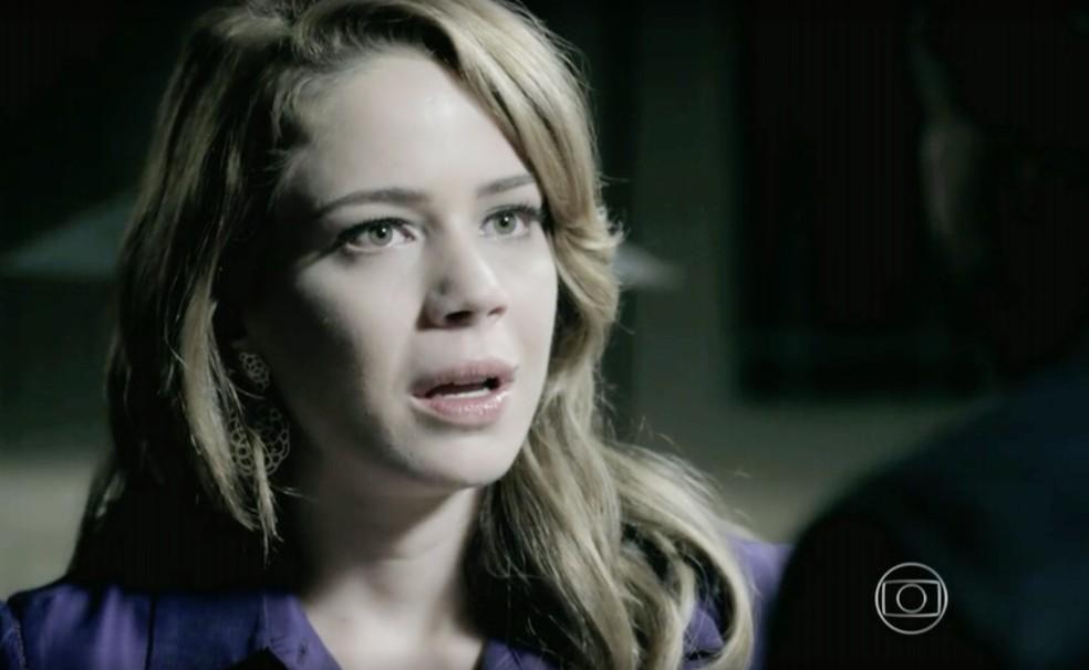 Cristina (Leandra Leal) se surpreende com decisão de José Alfredo (Alexandre Nero) em 'Império' — Foto: Globo