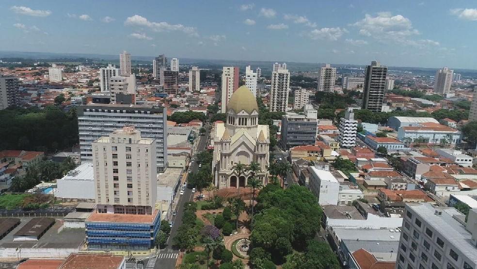 Araraquara entra em estado de alerta máximo com 21% dos testes gerais positivados para Covid-19 — Foto: Rede Globo