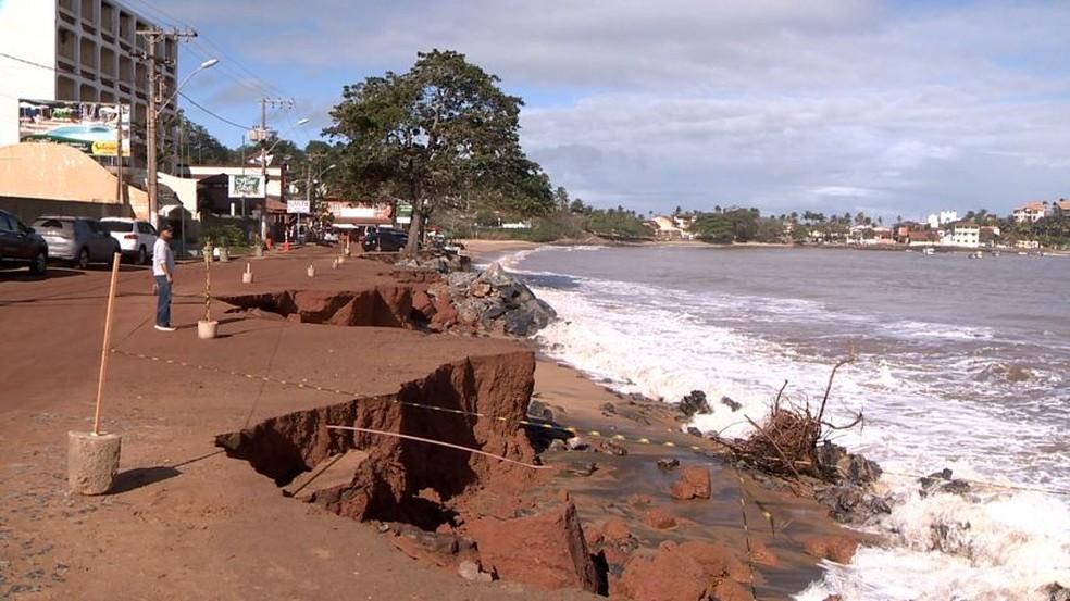 Em Guarapari, muro de contenção será construído para evitar estragos — Foto: Reprodução/ TV Gazeta
