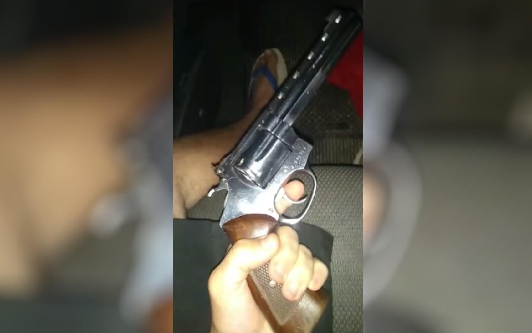 PM prende grupo e evita assassinato após suspeito postar em rede social que ia cometer crime, em Aparecida de Goiânia