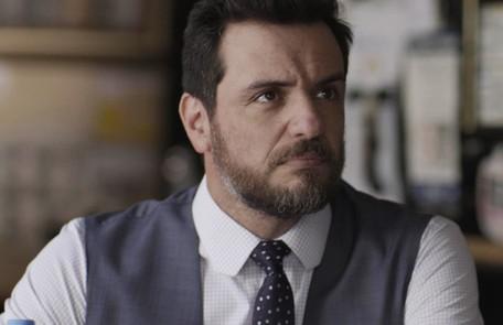 Rodrigo Lombardi é o advogado Caio, ex-noivo de Bibi (Juliana Paes) Reprodução