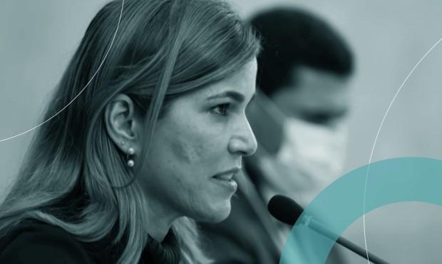 Mayra Pinheiro em entrevista no Ministério da Saúde em junho: secretária irá depor protegida por habeas corpus