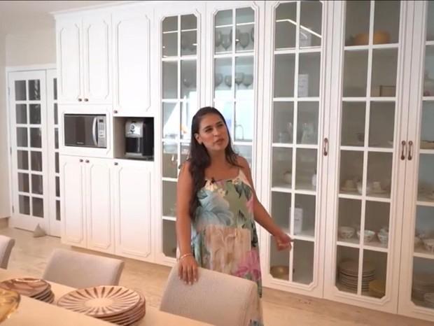 Simone mostra casa em Fortaleza (Foto: Reprodução/YouTube)