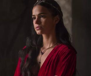 Bruna Marquezine em cena de 'Deus salve o rei' | TV Globo