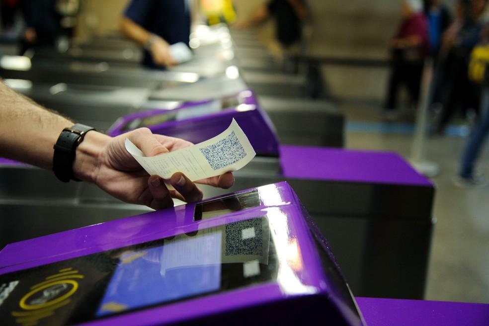 Bilhete do Metrô comprado do autoatendimento das estações com QR Code de acesso às estações.— Foto: Secom/GESP
