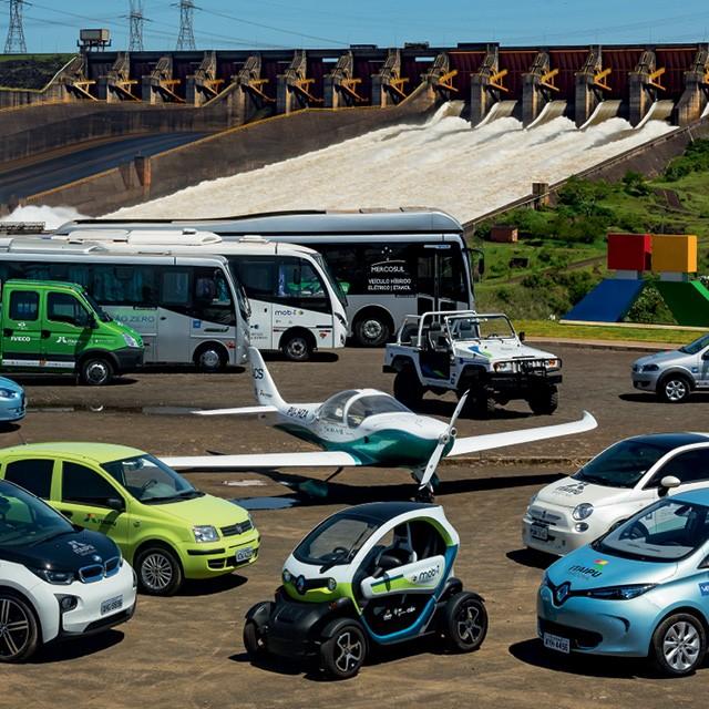 Veículos elétricos do Parque Tecnológico de Itaipu  (Foto:  Alexandre Marchetti/ itaipu binacional)