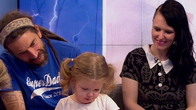 Ophelia conseguia recitar o alfabeto aos 2 anos de idade (Foto: BBC)