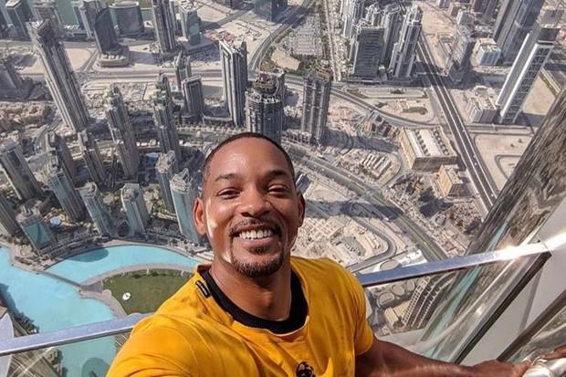 O influencer Will Smith tira selfie em Dubai (Foto: reprodução/instagram)