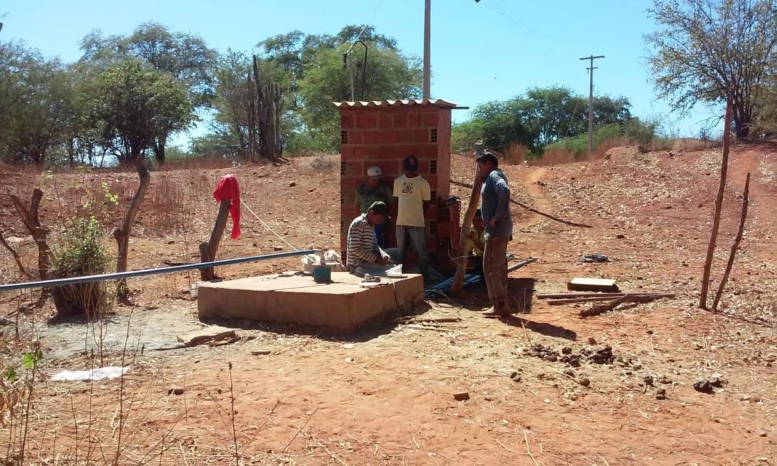 Mais de 300 famílias sofrem com falta de água há quase 5 meses em comunidade rural no Piauí