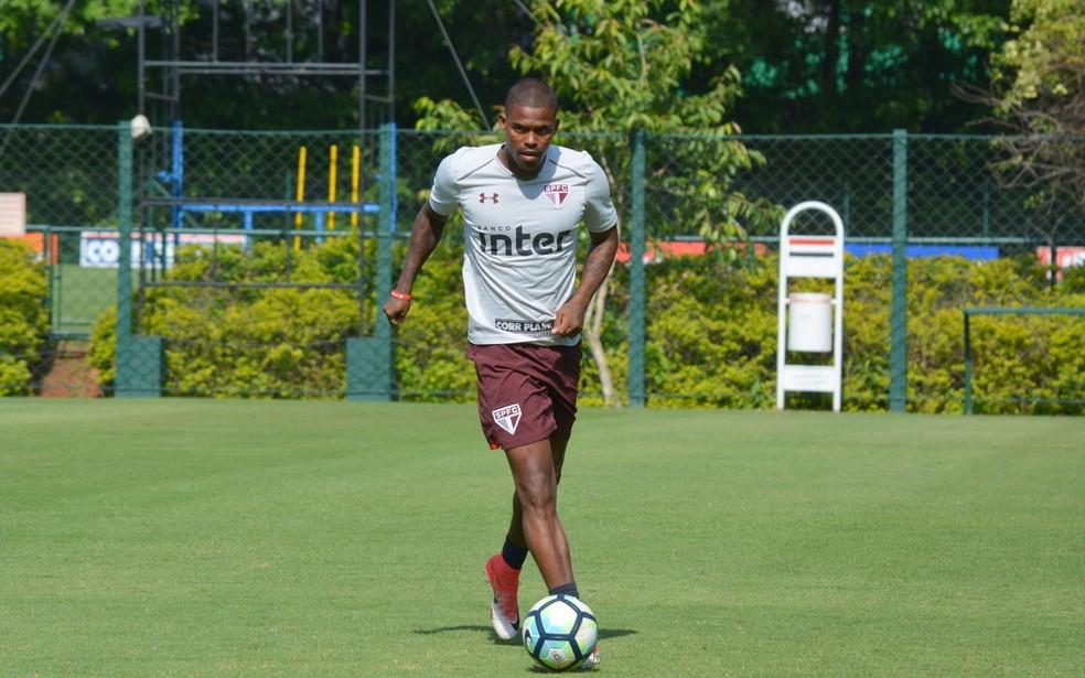 Maicosuel em treino do So Paulo Foto Erico Leonan  site oficial do SPFC