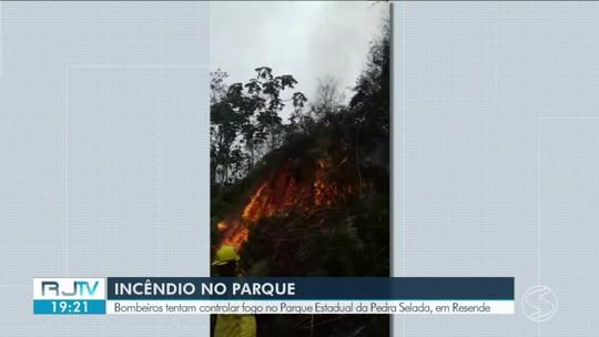 Incêndio atinge Parque Estadual da Pedra Selada, em Resende