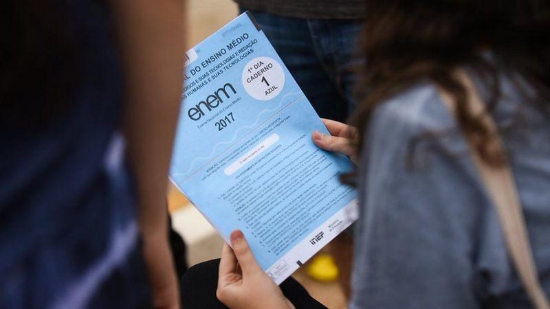Mais de 16,8 mil candidatos fazem prova impressa do Enem neste domingo (17) em Roraima